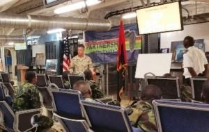 Clase teórica a bordo del USNS Spearhead.