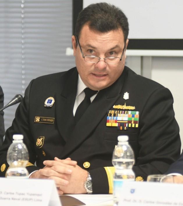 C. Alm. D. Carlos Tupac Yupanqui, director de la Escuela Superior de Guerra Naval (ESUP).