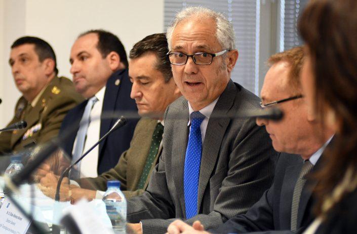 Mesa presidencial. El director general de CTA, D. Elías Atienza, patrocinador.