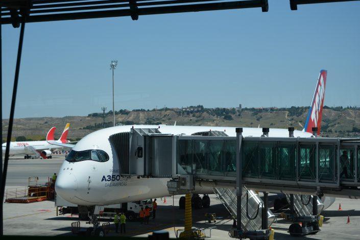 Alumnos Cisde visitan el Airbus-A350