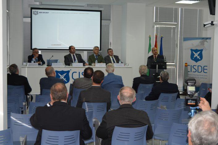 El conferenciante Ilmo. Sr. Coronel de Artillería, D. Guillermo Frontela Carreras.