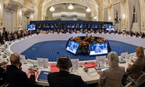 Imagen oficial de la reunión por el Ministerio de Defensa