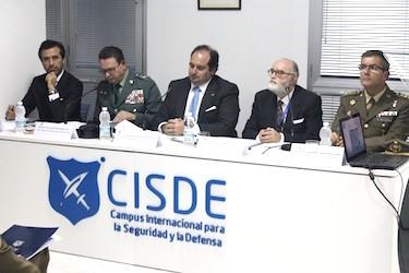 Excmo. Señor Don Laurentino Ceña Coro. General de División, Jefe de la IV Zona de la Guardia Civil. IV Seminario Internacional sobre Problemas Emergentes en Seguridad