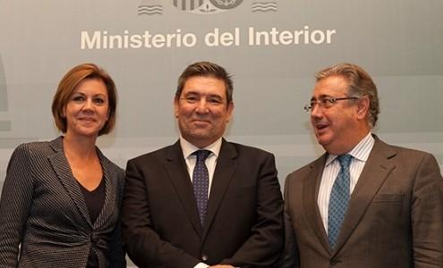 La Ministra de Defensa, María Dolores de Cospedal, José Manuel Holgado Moreno, nuevo Director de la Guardia Civil y Juan Ignacio Zoido, Ministro del Interior